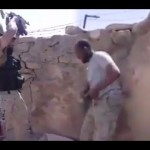 """فيديو يرصد مواجهة شرسة لجنود سعوديين مع الحوثيين.. وأحدهم يُوصي زملاءه: """"لا يروحون"""""""